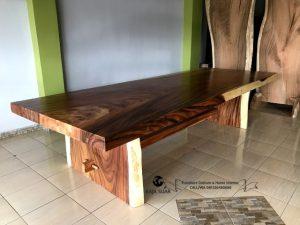 Meja Metting Besar